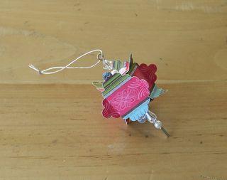 Scallop square ornament 1
