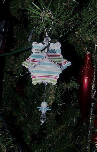 Scallop square ornament 4