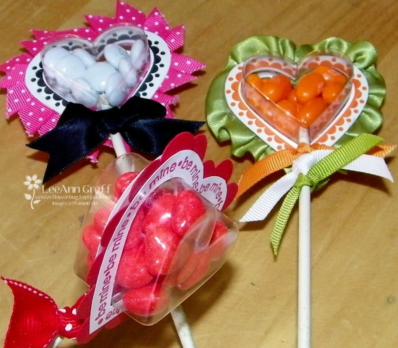 Heart treat lolipops side vew