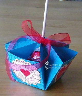 Valentine folded Turquoise sucker holder