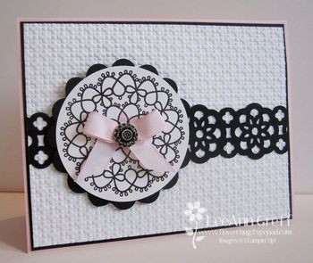 Delicate doilies pink black